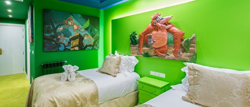 andorra_arinsal_princesca-parc-&-diana-parc-spa-hotel_themed-bedroom.jpg